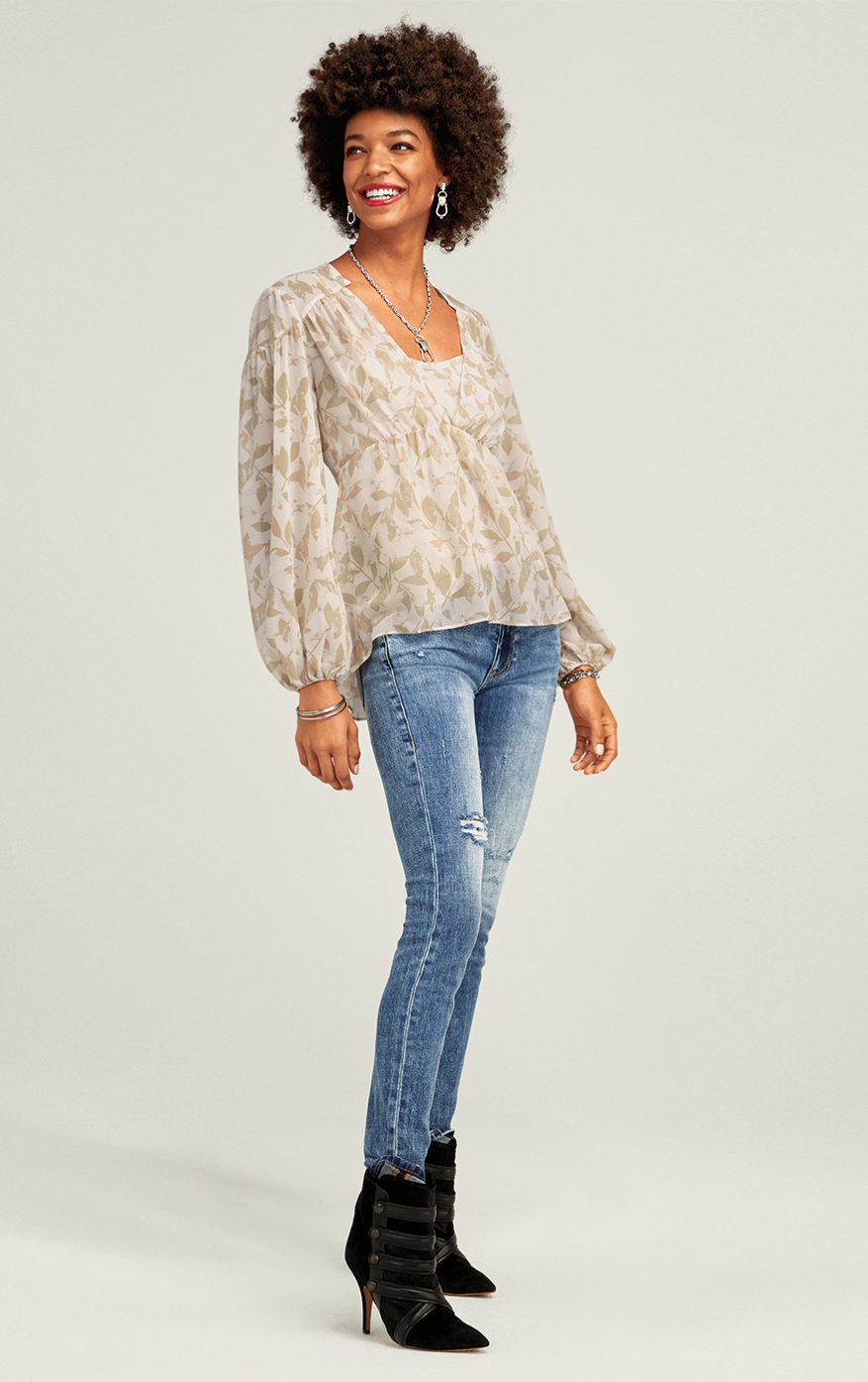 Cinch Skinny in Adventure Wash, Couplet Blouse in Silver Leaf